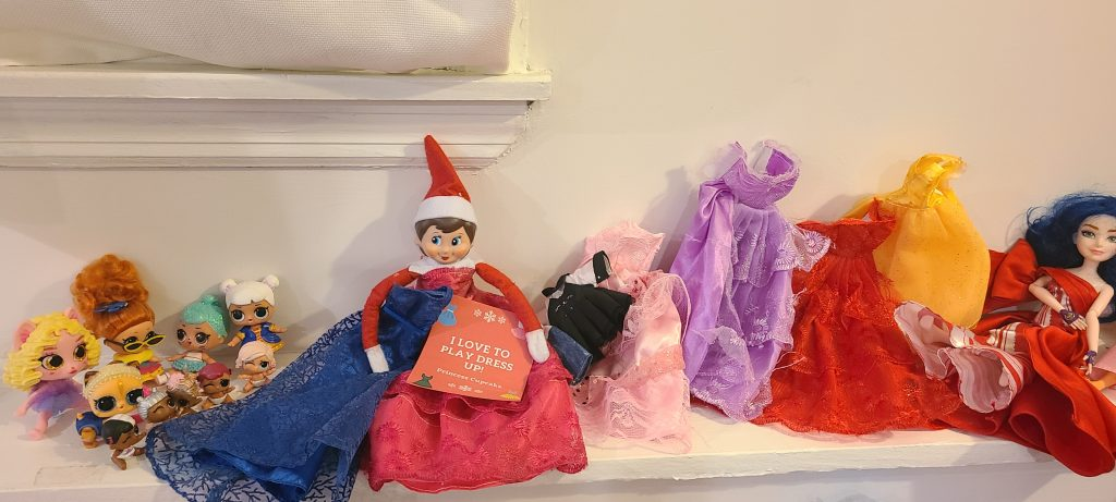 elf on the shelf playing dress up